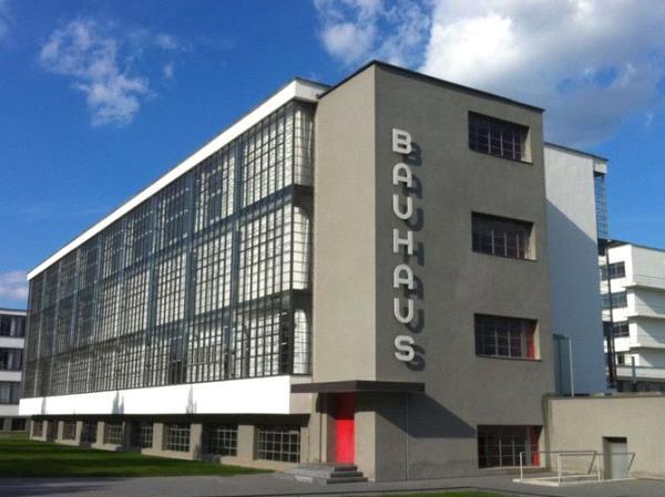 Bauhaus - Espace culturel Treulon.JPG