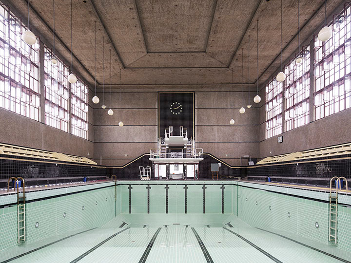 chochon-arnaud-piscine-vide-entre-deux-eaux-judaique-bordeaux.jpg