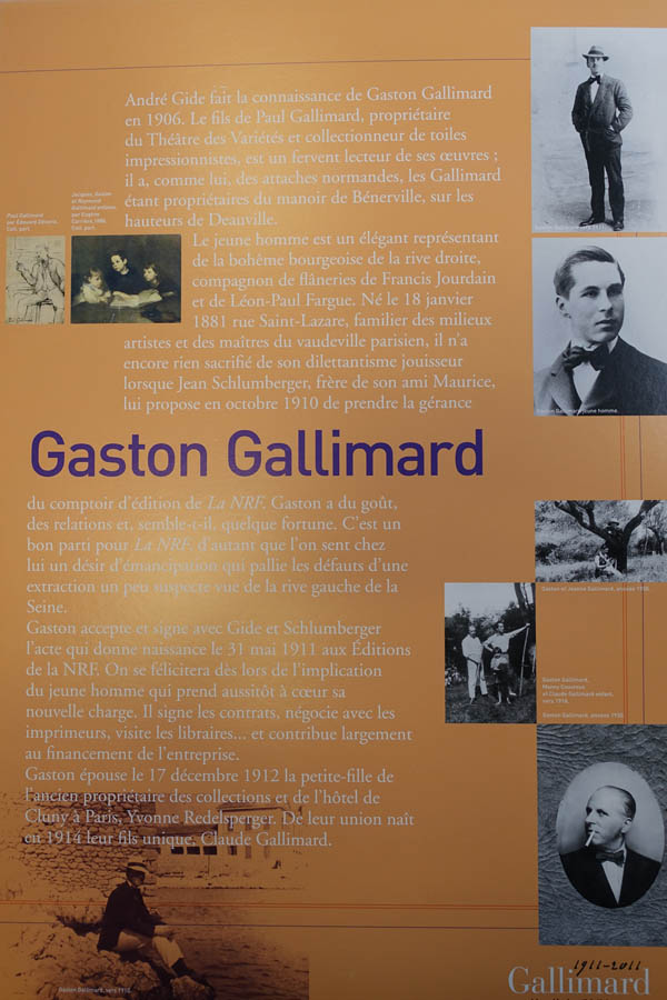 Expo Gallimard panneau  2.jpg