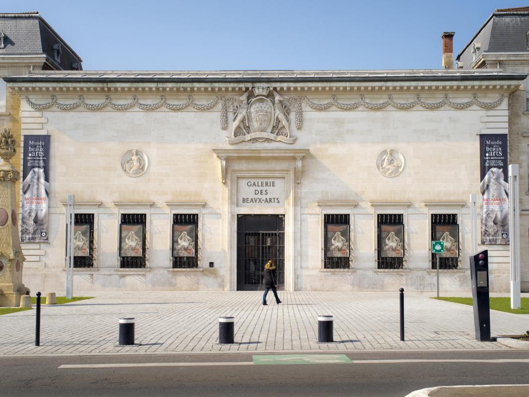 Galerie des Beaux-Arts.jpg