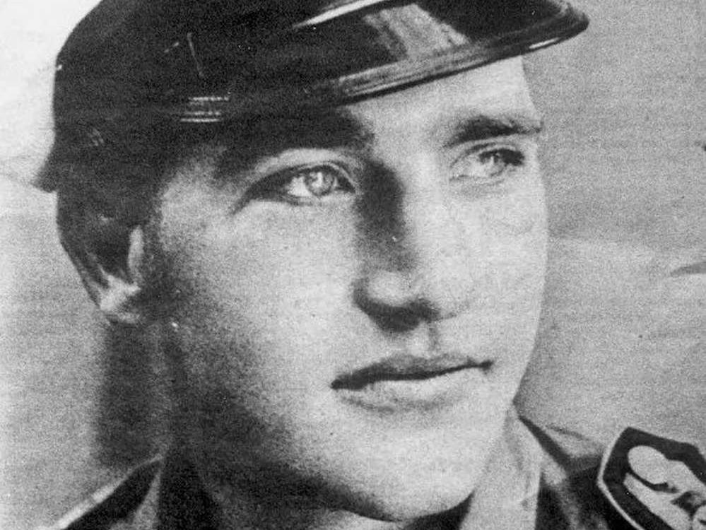 le-jeune-heinz-stahlschmidt-sous-l-uniforme-allemand-pendant-la-seconde-guerre-mondiale.jpg