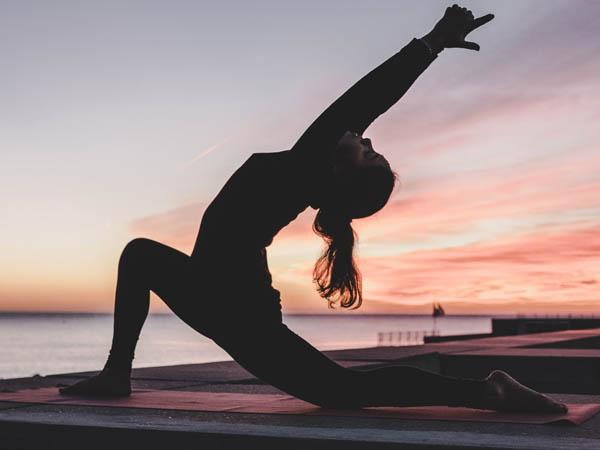 livres-yoga-meditation-pratiques-librairie-mollat.jpg