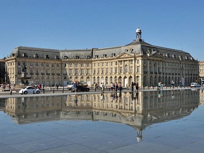Palais de la Bourse Bordeaux.jpg