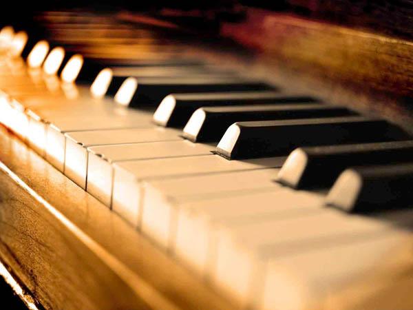 Piano @ Ausone.jpg
