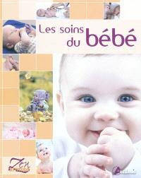 Les soins du bébé : change, bain, alimentation, éveil