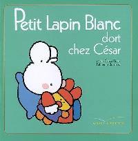 Petit Lapin blanc dort chez César