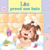 Léa prend son bain
