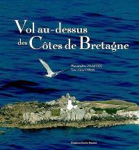 Vol au-dessus des côtes de Bretagne