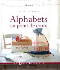 Alphabets au point de croix