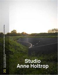 2G N  73 STUDIO ANNE HOLTROP /ANGLAIS