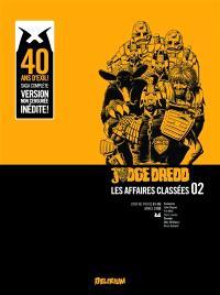 Judge Dredd : les affaires classées. Volume 2, 2000 AD progs 61-85 : année 2100