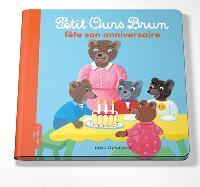 Petit Ours Brun fête son anniversaire